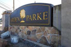 Arden-Parke-Entry-Monument-3-375