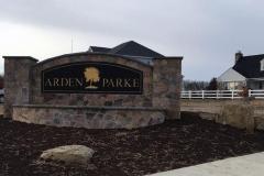 Arden-Parke-Entry-Monument-1-375